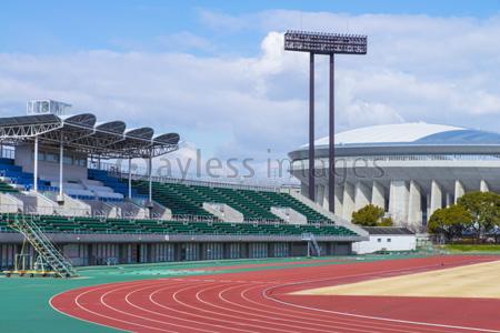 陸上競技場サッカースタジアム併用の写真イラスト素材