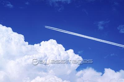 自然風景 空 飛行機雲の写真イラスト素材 写真素材ストック